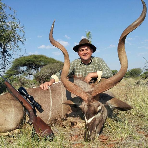 24 antilopa-larionesi